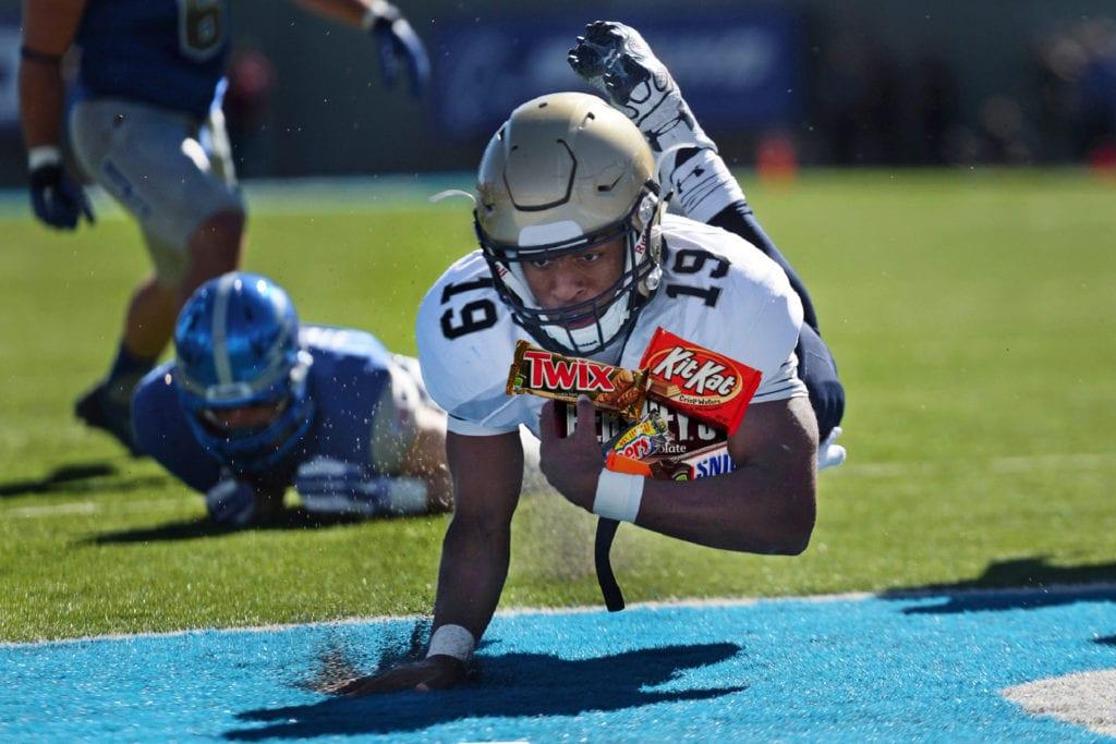 football-american-game-runner